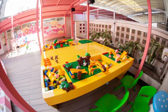 レゴ | 人気のタピオカが楽しめるカフェならステムリゾートSTEM RESORT -HAPPY BEARCH-国際通りドンキ屋上
