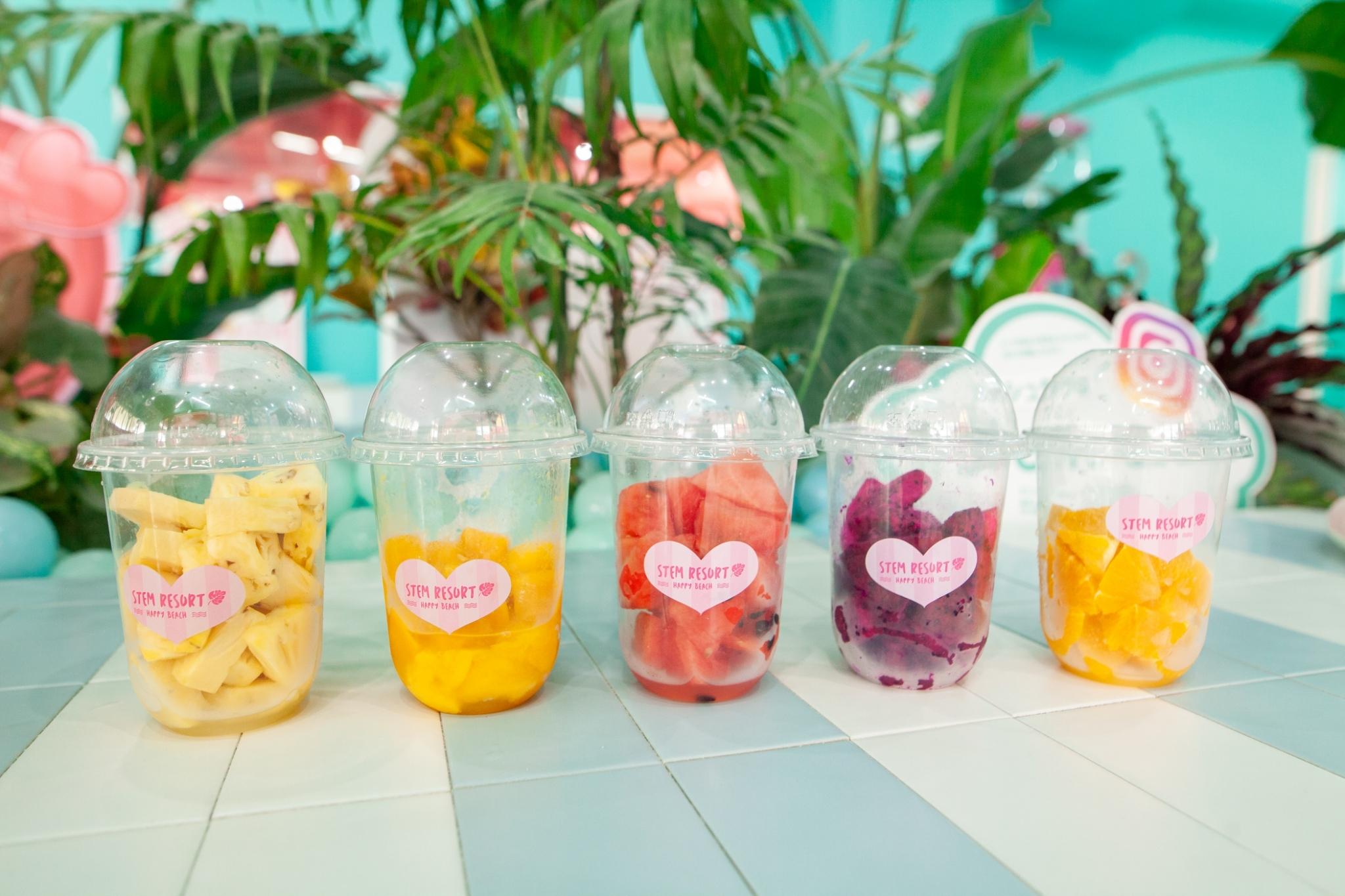 フレッシュジュース スムージー | カフェでお好みのフルーツをスムージーで飲めちゃうよ